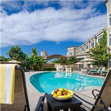 west-inn-and-suites-california-outdoor-pool